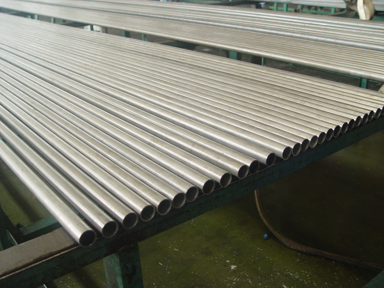 Seamless and Welded steel tubes for automobile mechanical and general engineering purposesng purposes  price